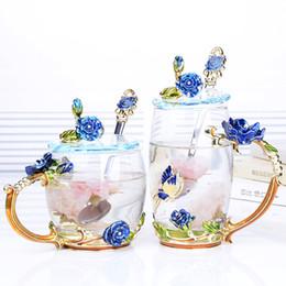2019 copo de vidro colher 1 PCS Canecas de Café Novidade Copos de Vidro Incomum Flor Esmalte Lida com Presentes Perfeitos para As Mulheres Com colher sem tampas copo de vidro colher barato