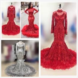 Sirena roja Vestidos de baile africanos 2019 Nueva pluma Longitud de manga larga Piso Lentejuelas Cuello alto Vestido de noche formal concurso Vestidos de fiesta desde fabricantes