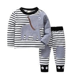 Dessin animé t shirt fille en Ligne-2019 Nouveau bébé Vêtements de Noël Boy Sets costume rayé garçon Impression Cartoon Design T-shirt + pantalon