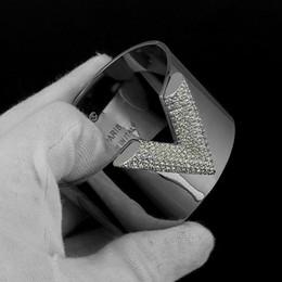 Chaude en acier au titane 316L luxe lettre V blanc diamant couleur couple bracelet en or 18K dames diamant bracelet de fiançailles largeur 3 cm, 3,8 cm ? partir de fabricateur