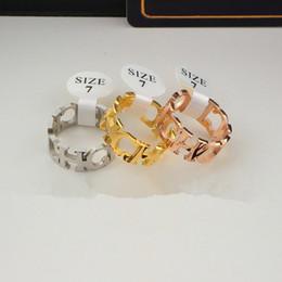 соединить сталь Скидка Кольцо CH с широким соединением для женщин. Кольцо из 18-каратного розового золота с покрытием из титановой стали.