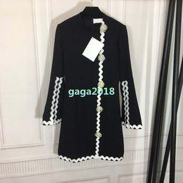 Blusa de perlas negro online-Nueva camiseta de manga larga de las niñas de las mujeres vestido fuera de casa vestido de gama alta outwear vestido chaqueta con detalles de perlas blusa top