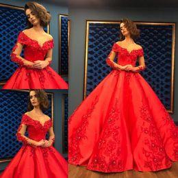 meilleures robes de bal de sirène d'or Promotion Vintage Dubaï arabe robes de soirée rouge 2020 sur l'épaule robe de bal robe Quinceanera robe FLoral Plus la taille robe de bal avec dentelle Applique
