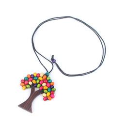 Handgefertigte hölzerne anhänger online-Nette 1 STÜCK Handgemachte Multicolor Baum Des Lebens Regenbogen Holzperlen Anhänger Halskette Boho Ethnic Choker Weisheit Baum Halsketten Schmuck