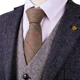 vestito di colore marrone Sconti G81 Brown Camel spina di pesce Tweed Controllato 7 centimetri Mens Cravatte Cravatte lana Abito Gilet di trasporto Gilet Suit Gilet all'ingrosso