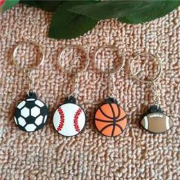 Regalos de fútbol para niños online-Pvc deportes baloncesto llavero baloncesto balón de fútbol llavero llavero anillo de moda coche titular de la clave regalo de los niños favor de la fiesta FFA1563