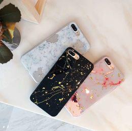 Casos bonitos do telefone on-line-Luxo folha de mármore phone case para iphone 6 s case para iphone x 6 7 8 plus casos moda bonito tampa traseira legal clássico