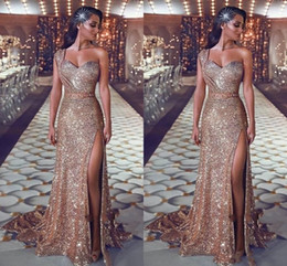 2019 kate lace plus größe kleider New Bling Rose Gold Pailletten Abendkleider One Shoulder Sleeveless Side Split Schärpen Open Back Plus Size Formelle Abendkleider Pageant Wear