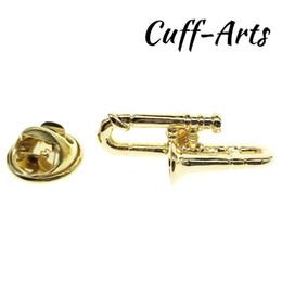 2019 porcos rápidos Pin Lapel Música Lapela Pino Emblema Trombone De Ouro 2018 Homens Presente Da Jóia Do Ventilador De Música Com Caixa De Presente Por Cuffarts P10073