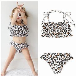Swimwear di un pezzo delle bambine online-2019 estate bambina un pezzo costumi da bagno leopardo bambini costumi da bagno bikini bambine due pezzi beach wear volant nuoto costumi da bagno carino