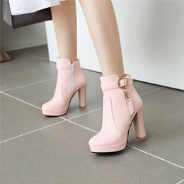 2019 botas de fivela de plataforma preta YMECHIC Moda 2019 Inverno High Heel Ankle Boots Buckle Platform rosa da festa de vestido branco preto sapatos de casamento Mulher Sapatinho Heel desconto botas de fivela de plataforma preta