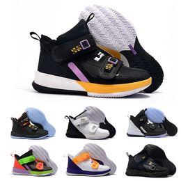 nuove scarpe da basket di natale Sconti 2020 nuovi Mens lebron soldier 13 mens scarpe da basket da vendere lebrons xiii MVP Natale BHM Oreo ragazzi giovani scarpe da ginnastica taglia 40-46
