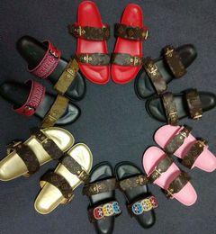 cadena t correa tacones Rebajas Zapatos de diseño para mujer BOM DIA FLAT MULE Deslice la sandalia de la manera de la letra de impresión de cuero suela de goma Slipper con 35-40 con caja L20