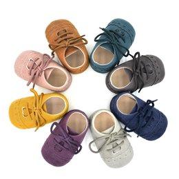 bébé premier solide bébé Toddler Nubuck cuir anti-slip laçage jusqu'à Pre-Walker Infant Garçons Filles Chaussures Première Walker 8 couleurs pour 0-18 M ? partir de fabricateur
