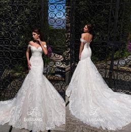 Más el tamaño elegante sirena vestidos de tren online-Elegante encaje sirena vestidos de novia 2019 fuera del hombro tul apliques tribunal tren más el tamaño de la boda vestidos de novia con encaje hasta BC1208