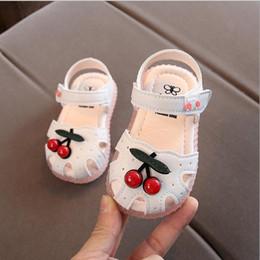 goma vieja Rebajas Zapatos suaves con fondo de goma para bebés y niños 2019 Verano 0-4 años Cherry Cute Infant Kids Girls Brand Shoes Sandals