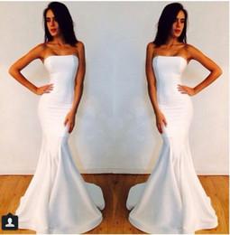 2019 michael costello vestidos blancos 2019 Sin tirantes vestido de fiesta Sirena blanca Michael Costello Vestido de fiesta vestido de novia vestido de noiva vestidos de dama de honor simples michael costello vestidos blancos baratos