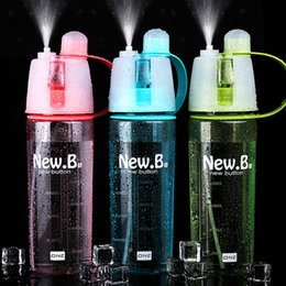 water mist spray bottle Promo Codes - 600ml Spray Sports Water Bottle Portable Outdoor Sport Water Kettle Anti-Leak Drinking Cup with Mist camping plastic bottle FFA1864