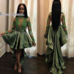 Abiti di promenade in sequined smeraldo online-Emerald Green Black Girls High Low Prom Dresses 2019 Sexy Vedere attraverso Appliques Paillettes Sheer Maniche lunghe Abiti da sera Abito da cocktail