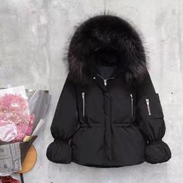 Cuello de piel chaqueta delgada cintura online-Invierno abajo chaqueta acolchada mujer soplo de la manga de Down acolchada chaqueta gruesa del collar grande de la piel Escudo cintura delgada con capucha