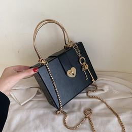 Monedero vintage online-Forma portátil bolso del partido del tronco de lujo empaqueta los bolsos del diseñador de las mujeres Square Negro de piel embrague noche bolsa de metales monedero Bolsos