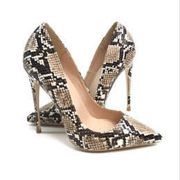 Европейские и американские 2018 новые 12-сантиметровые туфли на высоком каблуке из змеиной кожи на тонких каблуках, с тонкими ртами от Поставщики ботинки на высоких каблуках