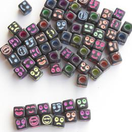 letras contas quadradas Desconto lote misto DIY carta contas quadrados 6 * 6 milímetros de expressão de cor de fundo preto e fundo preto letras brancas contas de acrílico Beads 100pcs / bag