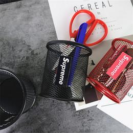 Nuevo diseño pent online-2019 Nuevo Metal Mesh Pen Holder Letter Design Storage Brush Pot Papelería de almacenamiento para estudiantes para niña y niño