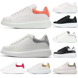competitive price 461b8 517ec ... mcqueens Leder dicke Modemarke Sneakers rote Sterne weiße Schuhe  erhöhen wilde Paar Herren Damenschuhe Weiß Rosa Luxus Designer Schuhe 36-44  auf verkauf