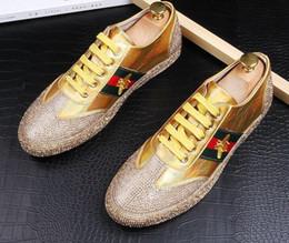 Boas cunhas on-line-Boa qualidade Designer Homens Shine rhinestone lace-up 3 cores Sapatos Casuais apartamentos Sapatos Masculinos Vestido de casamento Homecoming Prom loafers Marca de lujo