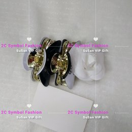 Argentina Nuevo ~ 9x5CM Luxury Hair Claw inspirado en CC para la colección Ladys Artículo Moda Acrílico Accesorios para el cabello rhinestone fashion graved letters VIP gi Suministro