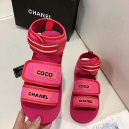2019 bucle de látex Alta calidad de moda de lujo zapatos de mujer sandalias Summer Hook Loop carta de tela de algodón sandalias planas casuales de playa zapatillas con caja rebajas bucle de látex