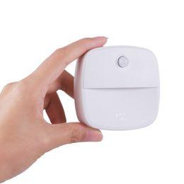 3 шт. / Упак. Горячий дом теплый белый свет индукции человеческого тела ночной свет шкаф LED индукции ночной свет от