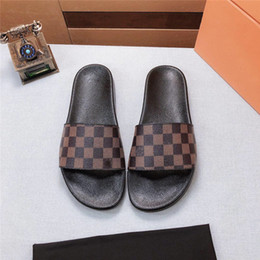 sandali di calzature da uomo Sconti Designer Donna Sandali estivi Uomo Sandalo da spiaggia Unisex Pantofole da esterno Teens Calzature da vacanza Infradito di lusso con scarpe con logo