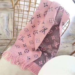 2019 diseños de poncho bufanda de lana de los hombres y las mujeres mantón letra flor borla diseño estilo moda otoño e invierno bufanda diseños de poncho baratos