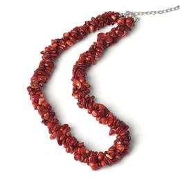 Conception lisse rouge foncé et rouge clair de la forme de noyau de maïs 5-8 millimètres de collier personnalisé par corail. Le meilleur cadeau pour un ami ? partir de fabricateur
