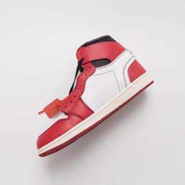 2020 empate de baloncesto [Con la caja brida de plástico] 1s Zapatos Negro Rojo 1 Blanco Chicago UNC baloncesto del Mens para el diseñador de deportes de las mujeres fuera de las zapatillas de deporte Tamaño 12 empate de baloncesto baratos