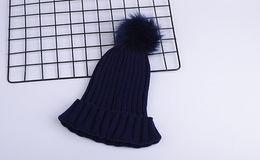 Mode Luxus-Designer-Winter-Marke Männer Beanie Mütze Frauen Lässige Strick Hip-Hop-Gorros Bommel Kalotte Haar Ball im Freien von Fabrikanten