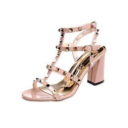 2019 sandali confortevoli con tacco alto 2019 Designer di alta qualità di alta qualità Rivetto Scarpe da donna Casual 8cm Tacchi alti Confortevole Ladies Square Sandali con tacco sandali confortevoli con tacco alto economici