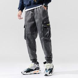 2019 jean moyen délavage hip hop Fashion Style japonais Hommes Jeans Couleur Noir Gris Retro Wash Loose Fit Pantalons Big Pocket Cargo Sarouel Hip Hop Jeans pour homme jean moyen délavage hip hop pas cher