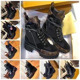 chaussures élégantes à talons bas noir Promotion Laureate Desert Boots Femmes Marque Designer Bottes De Mode Dames Causal Martin Botte En Cuir Talon Bas Cheville Plateforme À Bout Rond Chaussures Avec Boîte