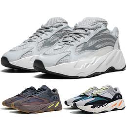 51c9510a5 Adidas yeezy boost 700 V2 Designer Chaussures Nouvelle Arrivée Kanye West  700 Coureur de Vague Statique EF2829 Mauve EE9614 Solide Gris B75571 Hommes  Femmes ...