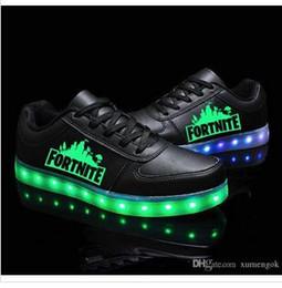 Kadın Led Işıklı Işık up Ayakkabı Baskılı Kafatası kafa 2019 Moda USB karanlık çocuklar için yanıp sönen büyük çocuklar için wms sneaker cheap usb flash print nereden usb flash baskı tedarikçiler