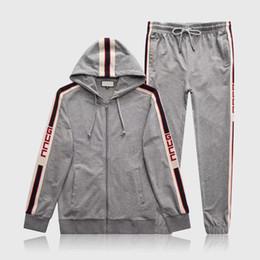 Sportswear de alta qualidade on-line-Atacado sportswear designer outono e inverno sportswear terno com capuz marca sportswear dos homens hoodies de alta qualidade roupas femininas dos homens