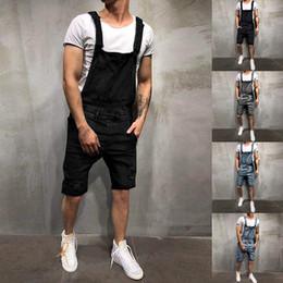 gli uomini s jeans stile bicchierini Sconti 2019 Estate Uomo Jeans strappati Tute Shorts Ciao Street Style Distressed Denim Bib Salopette Mens Casual Suspender Pant
