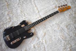 Schwarze gitarrenkörper online-Fabrik benutzerdefinierte Matte Black 4 Saiten E-Bass mit Distressed Body, Chrome Hardware, Palisander Griffbrett, SS Pickup, angepasst werden