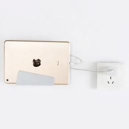 Supporto per telefono universale fissato al muro Supporto per ricarica con staffa adesiva per iPhone Xs Max X Plus Pacchetto tablet Samsung Galaxy Huawei per la vendita al dettaglio da