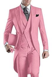 tuxedos rosa tailcoat Sconti 3 pezzi rosa Uomini Tailcoat Suits smoking dello sposo picco risvolto uomini vestito per la festa nuziale di promenade Cena Blazer Gilet (Jacket + Pants + Vest + Tie)