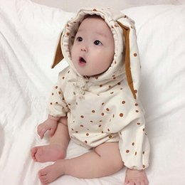 2019 ropa de bebé niño lunares Otoño nuevo INS Baby Boys Girls Romper Orejas de gato con capucha Abrigo de lunares de invierno Mono de bebé Ropa de escalada Sudadera con capucha Ropa de niña 0-3T rebajas ropa de bebé niño lunares