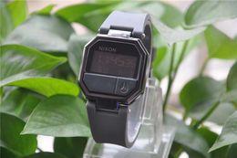 relógios de cinto para senhoras Desconto Hot Bear Assista TECHNOMARINE Moda Casual Relógio Eletrônico Das Senhoras LED Cool Light Silicone Belt Frete Grátis